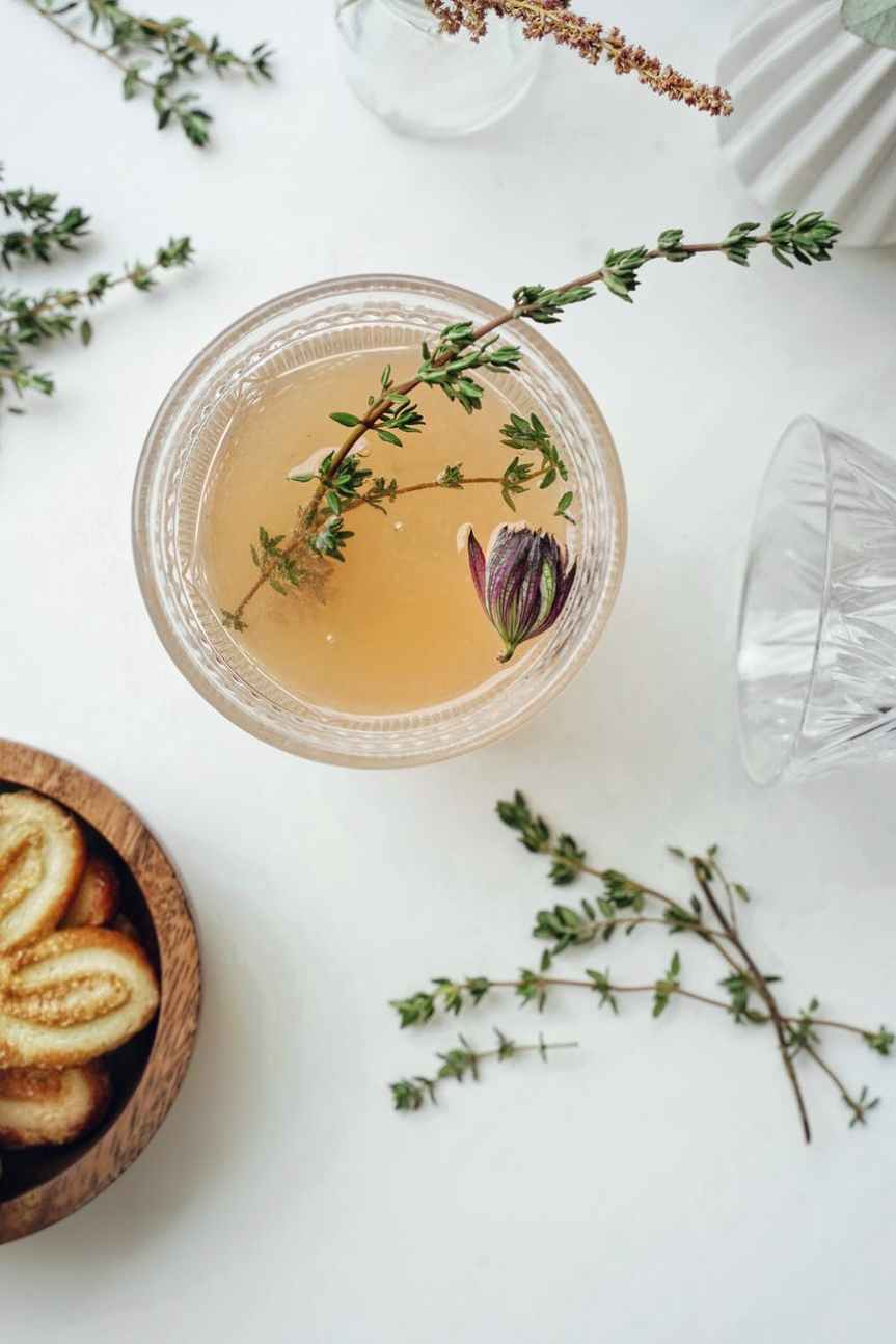 10 Herbs, Roots, and Flower Ideas to Make Your Own HomemadeTea