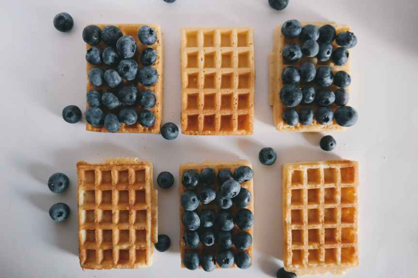 Sticky Weekend Waffles (Paleo) | Leverage Ambition