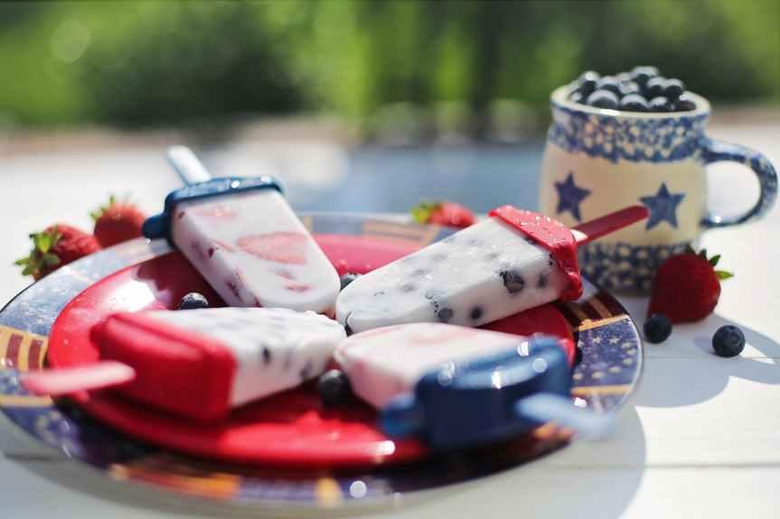 12 Red, White + Blue Patriotic Paleo Dessert Recipes | LeverageAmbition
